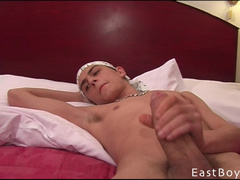 Amateur gay cock close up masturbation